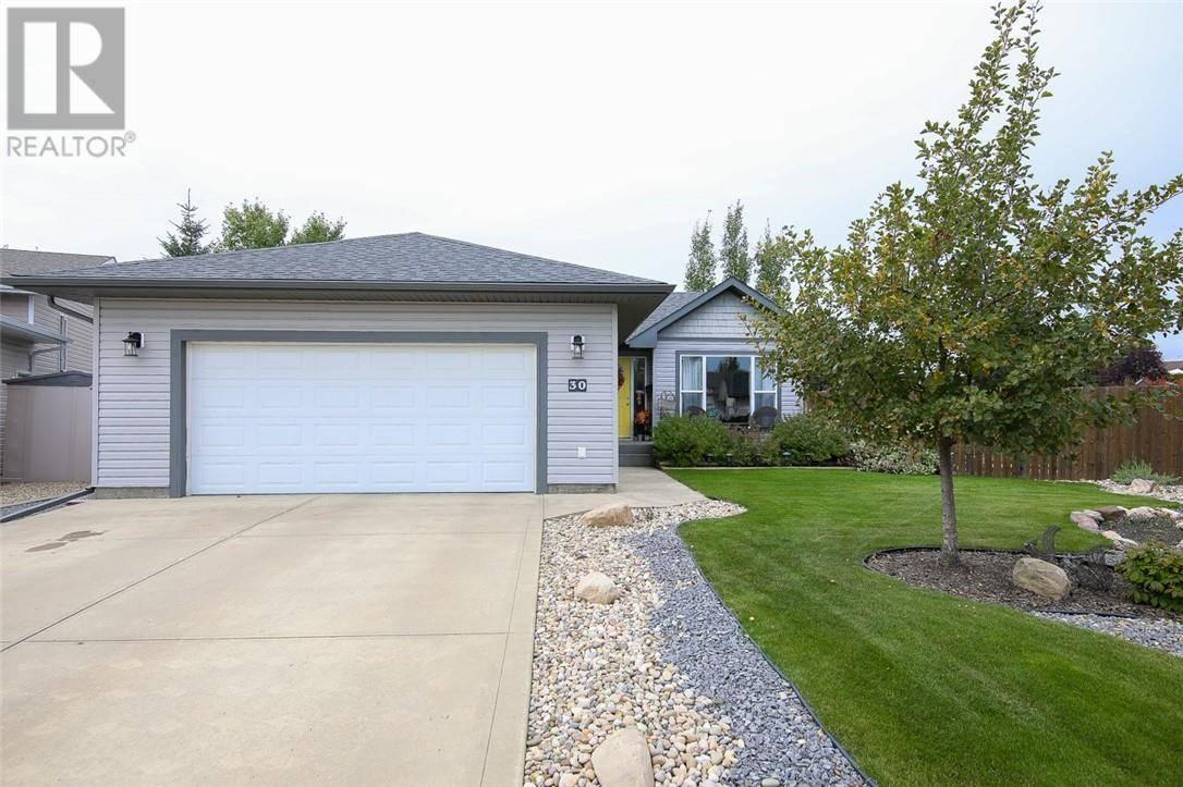 House for sale at 30 Lexington Cs Lacombe Alberta - MLS: ca0186666