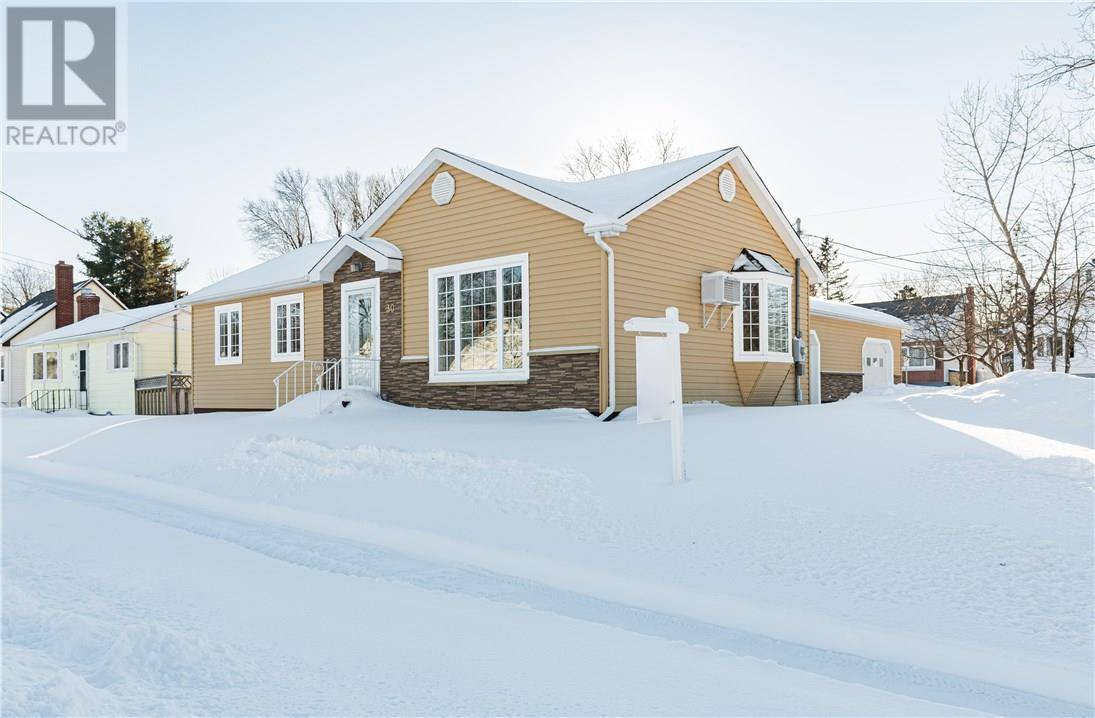 House for sale at 30 Lynwood Dr Moncton New Brunswick - MLS: M125443