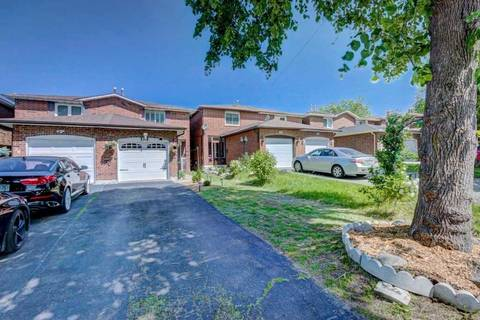 Townhouse for sale at 30 Maplehurst Sq Brampton Ontario - MLS: W4495259