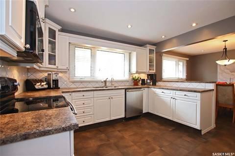 House for sale at 30 Procter Pl Regina Saskatchewan - MLS: SK769106