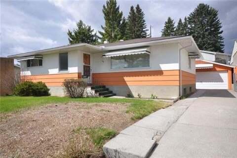 House for sale at 30 Roselawn Cres Northwest Calgary Alberta - MLS: C4295786