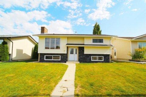 House for sale at 30 Sillak Cres SE Medicine Hat Alberta - MLS: A1020081