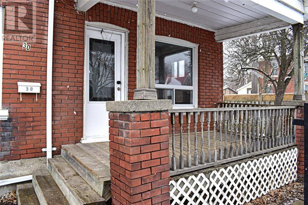 30 St Paul Avenue, Brantford | Image 2