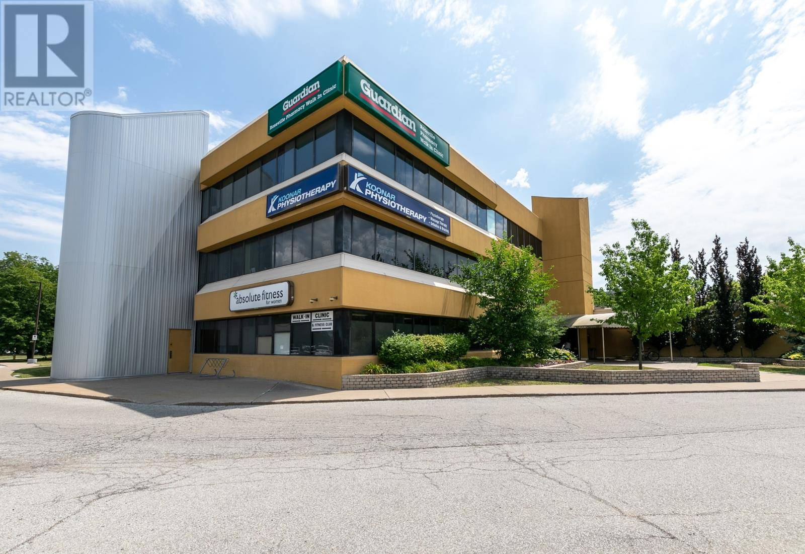 Commercial property for lease at 2525 Roseville Garden  Apartment 300 Windsor Ontario - MLS: 19022524