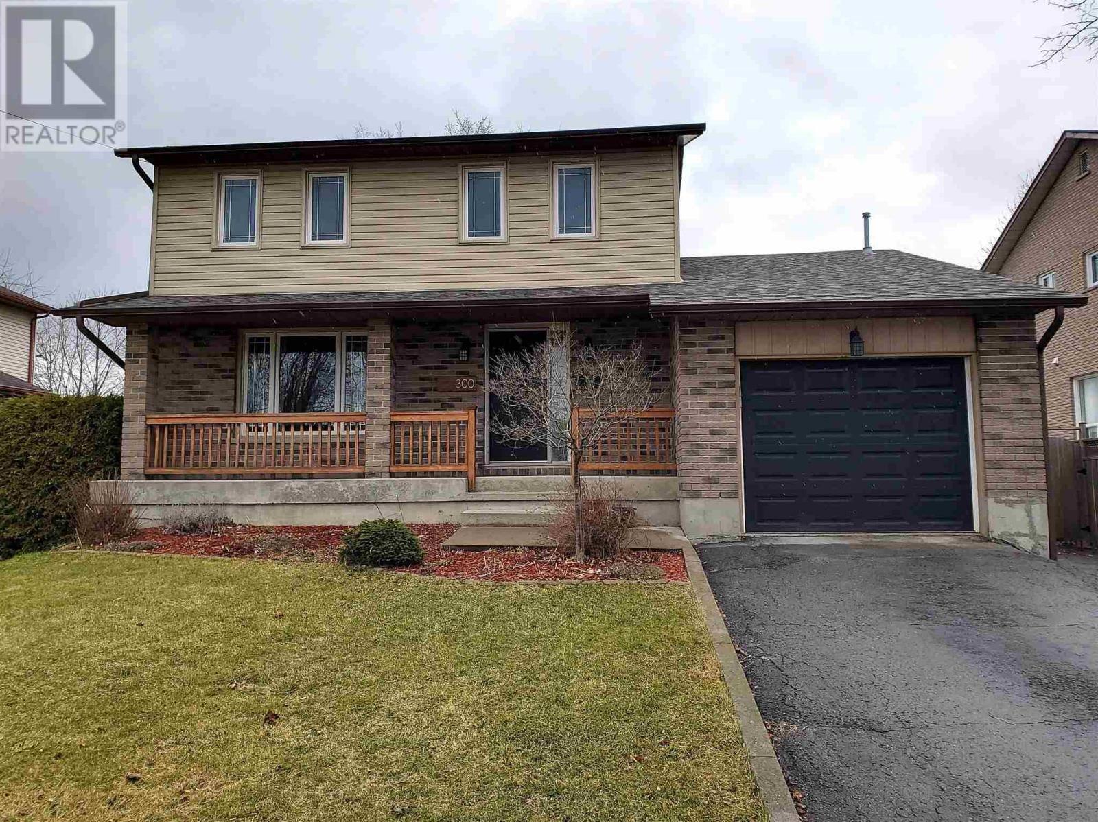 House for sale at 300 Kingscourt Ave East Kingston Ontario - MLS: K20001758