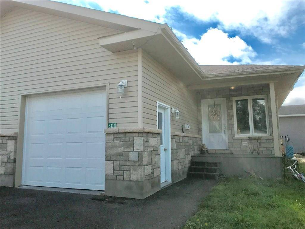 House for sale at 300 Mckenzie St Pembroke Ontario - MLS: 1169042