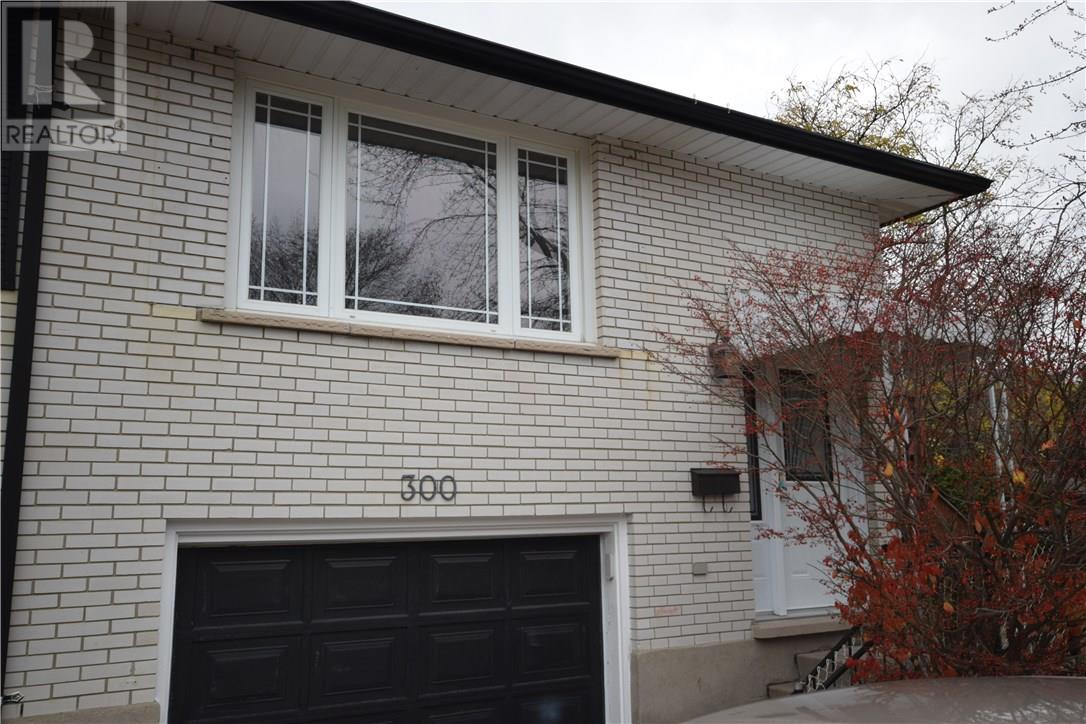 Removed: 300 Westwood Drive, Kitchener, ON - Removed on 2018-11-18 04:21:16