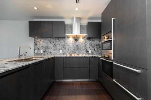 Apartment for rent at 180 University Ave Unit 3002 Toronto Ontario - MLS: C4782915