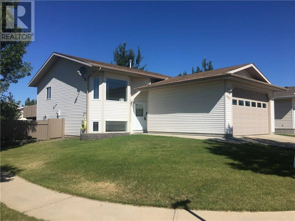 House for sale at 3002 61a St Camrose Alberta - MLS: ca0172248