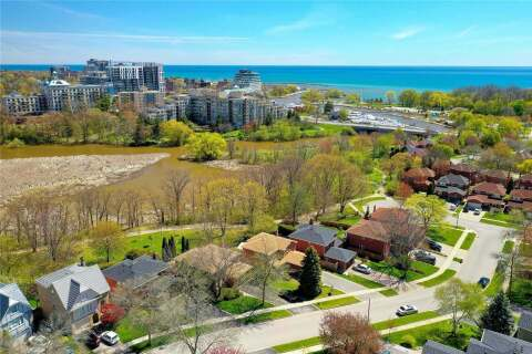 House for sale at 3003 Silverthorn Dr Oakville Ontario - MLS: W4768576