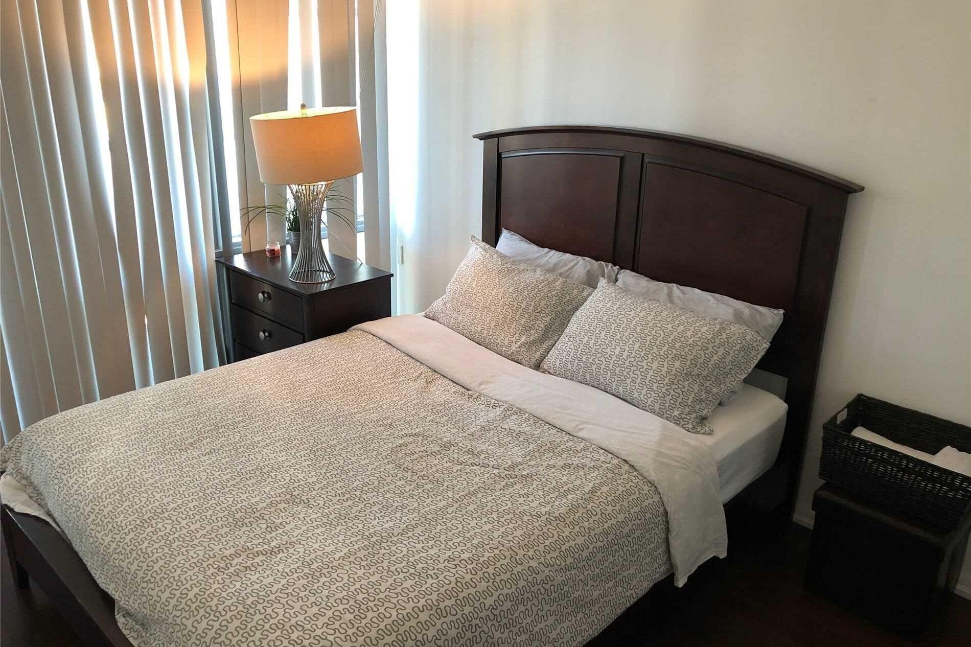 Apartment for rent at 832 Bay St Unit 3005 Toronto Ontario - MLS: C4930881
