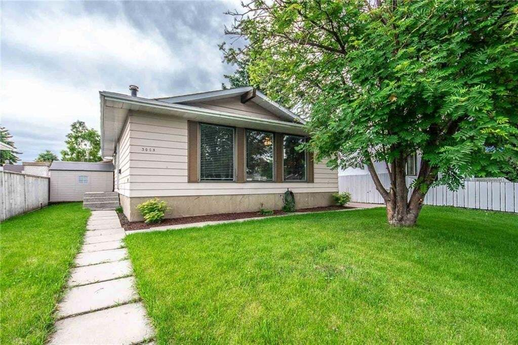 House for sale at 3005 Doverbrook Rd SE Dover, Calgary Alberta - MLS: C4305534