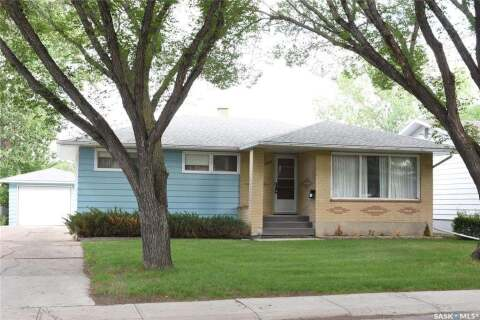 House for sale at 3005 Lacon St Regina Saskatchewan - MLS: SK815478