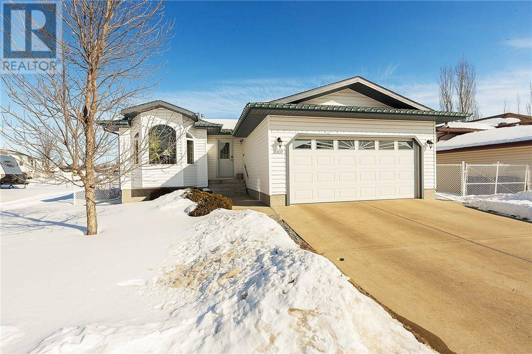 House for sale at 3007 62a St Camrose Alberta - MLS: ca0189512