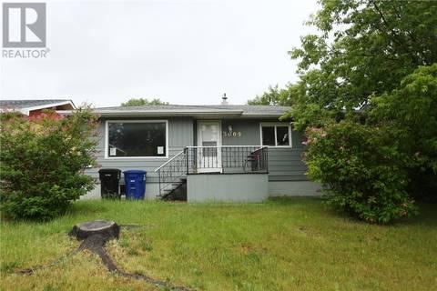 House for sale at 3009 20th St W Saskatoon Saskatchewan - MLS: SK777666