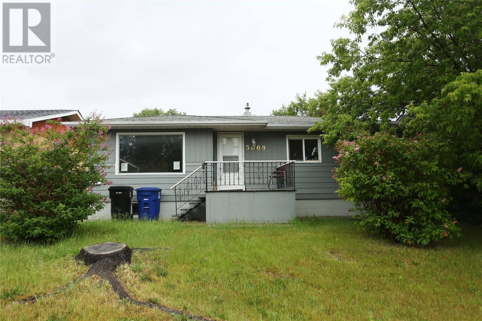 House for sale at 3009 20th St W Saskatoon Saskatchewan - MLS: SK783470