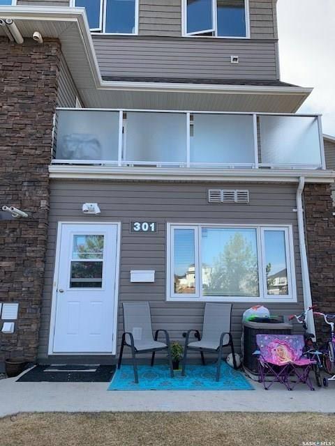 Townhouse for sale at 1022 Hampton Circ Unit 301 Saskatoon Saskatchewan - MLS: SK805464