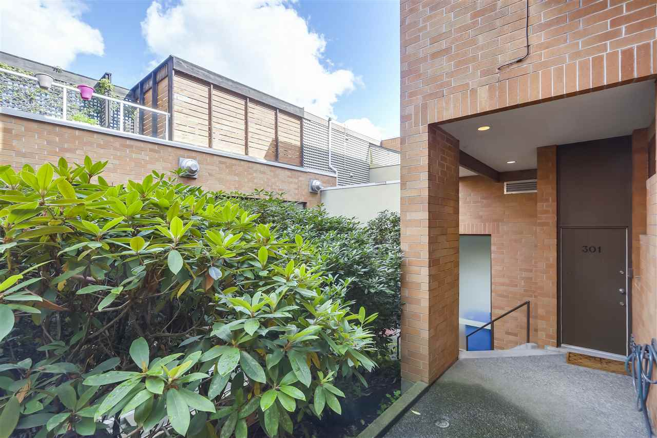 Sold: 301 - 1184 West 6th Avenue, Vancouver, BC