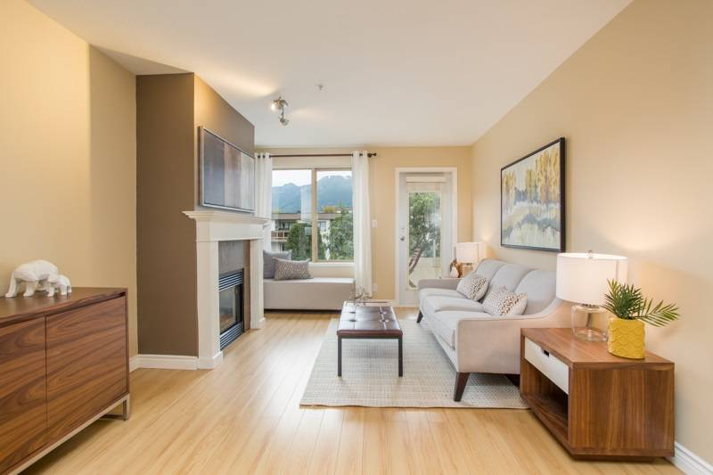 Buliding: 137 West 17th Street, North Vancouver, BC