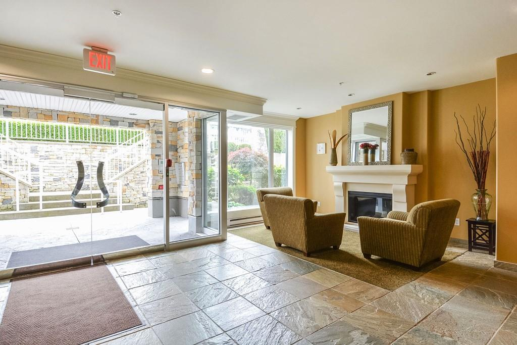 For Sale: 301 - 15164 Prospect Avenue, White Rock, BC   2 Bed, 2 Bath Condo for $639,900. See 16 photos!