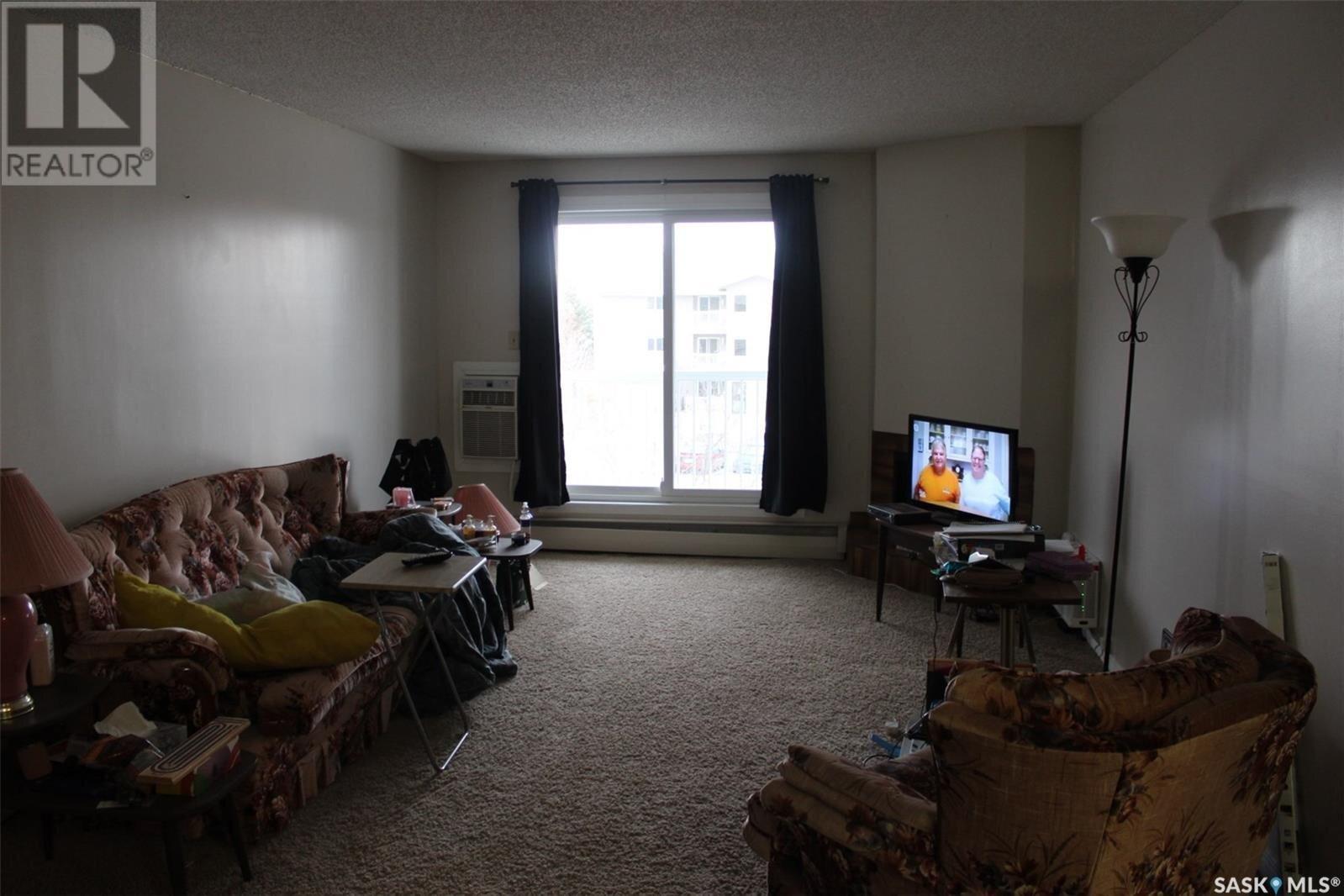 Condo for sale at 1832 Eaglesham Ave Unit 301 Weyburn Saskatchewan - MLS: SK834539