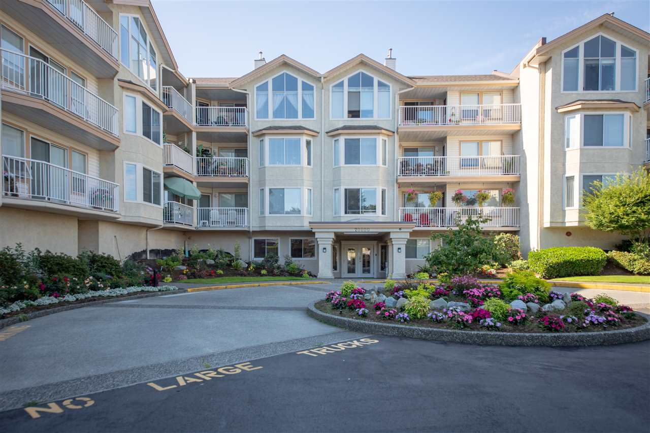 Sold: 301 - 20600 53a Avenue, Langley, BC