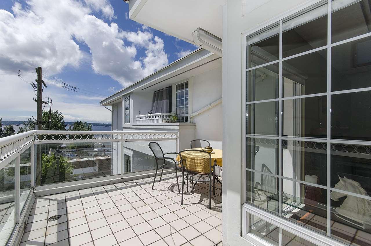 Manor House Condos: 2440 Haywood Avenue, West Vancouver, BC