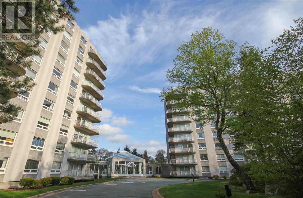 Buliding: 30 Brookdale Crescent, Dartmouth, NS