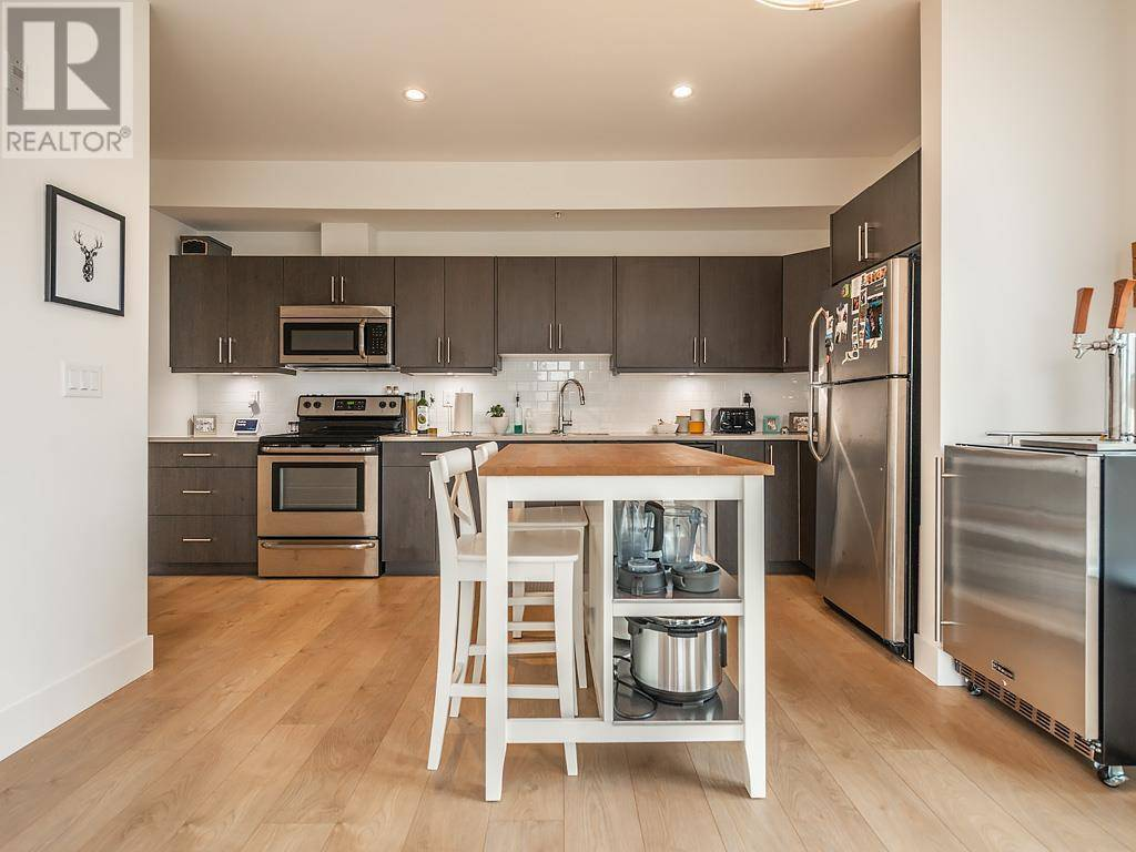 Condo for sale at 317 Burnside Rd E Unit 301 Victoria British Columbia - MLS: 420244