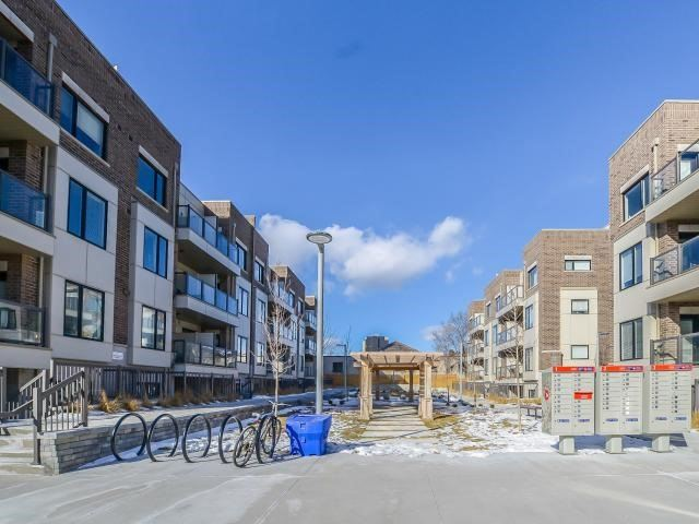 For Sale: 301 - 6 Drummond Street, Toronto, ON | 1 Bed, 1 Bath Townhouse for $390,000. See 18 photos!