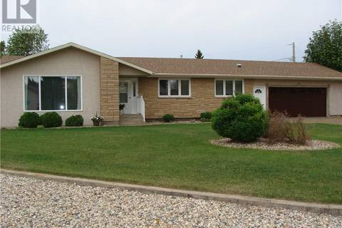 House for sale at 301 8th Ave E Watrous Saskatchewan - MLS: SK771732