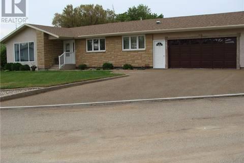 House for sale at 301 8th Ave E Watrous Saskatchewan - MLS: SK793435