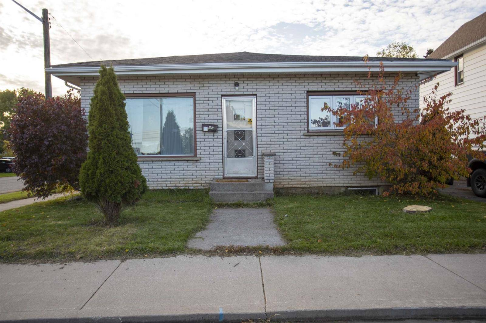 House for sale at 301 Harold St N Thunder Bay Ontario - MLS: TB193560
