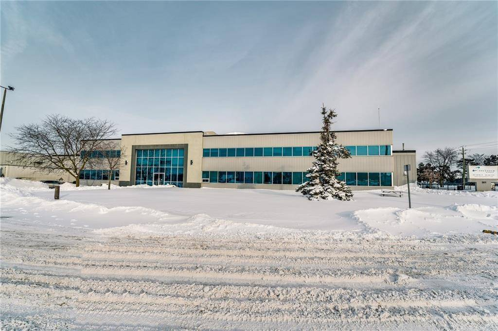 Commercial property for lease at 301 Louth St St. Catharines Ontario - MLS: 30785937