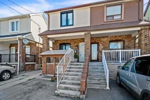 Townhouse for sale at 301 Silverthorn Ave Toronto Ontario - MLS: W4769743