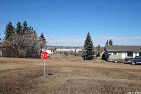 Home for sale at 301 William St Manitou Beach Saskatchewan - MLS: SK799310