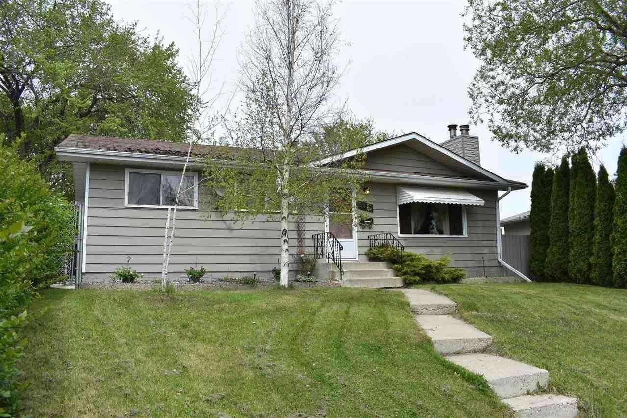 House for sale at 3012 105 Av NW Edmonton Alberta - MLS: E4207521