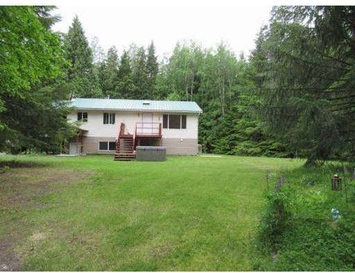 House for sale at 3012 Woeste Ave Lakelse Lake British Columbia - MLS: R2379599