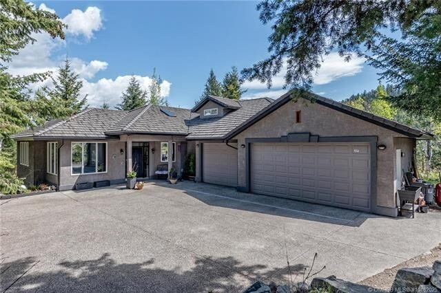House for sale at 3015 Coachwood Cres Coldstream British Columbia - MLS: 10182025