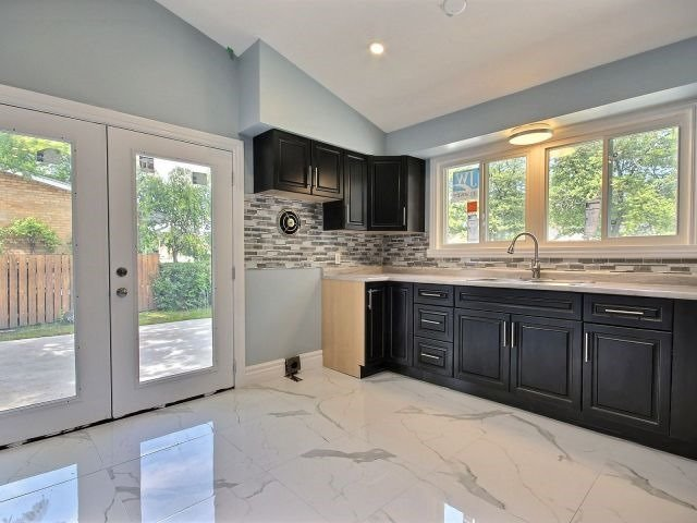 For Sale: 3015 Virginia Park Avenue, Windsor, ON | 3 Bed, 1 Bath House for $274,900. See 20 photos!