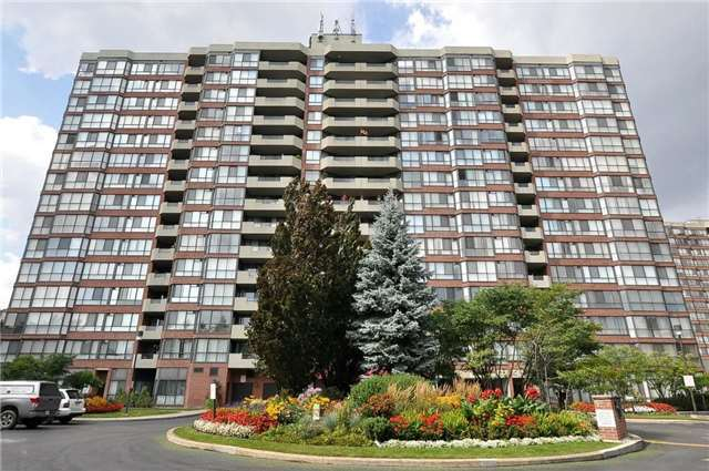 For Sale: 302 - 100 Observatory Lane, Richmond Hill, ON | 2 Bed, 2 Bath Condo for $559,000. See 19 photos!