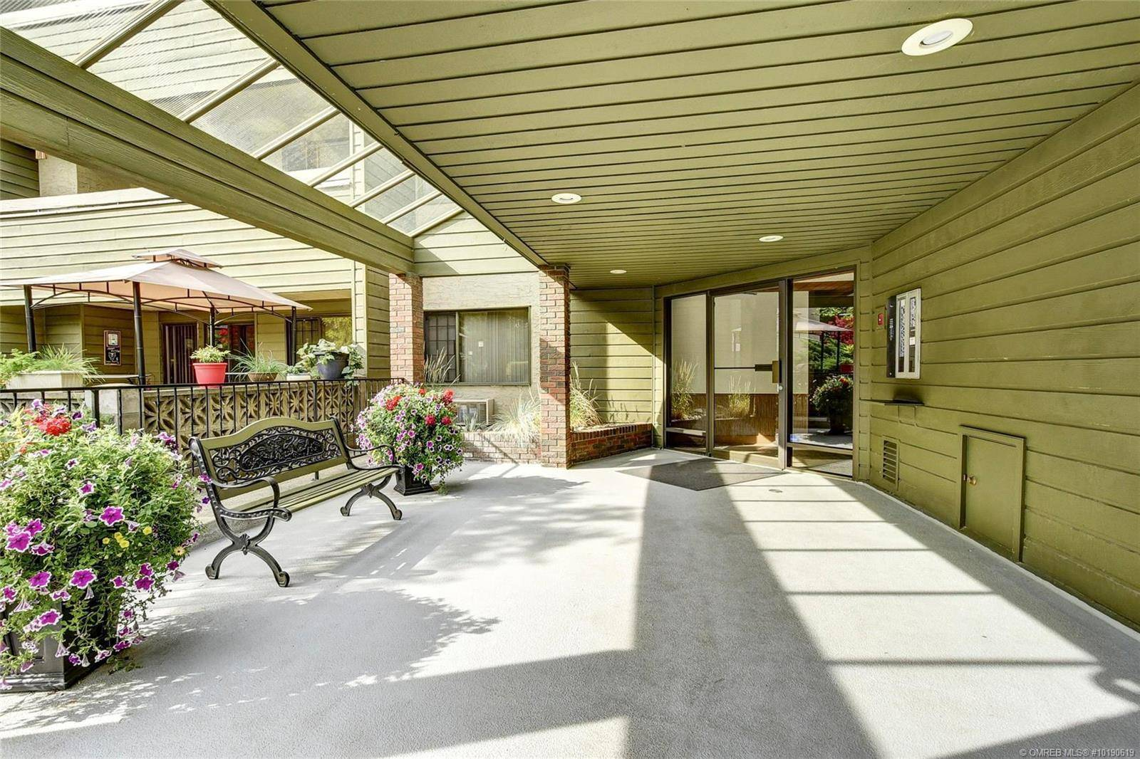 Condo for sale at 1056 Bernard Ave Unit 302 Kelowna British Columbia - MLS: 10190619