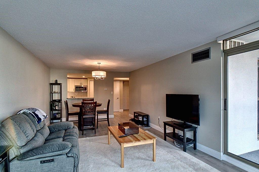 Condo for sale at 1225 North Shore Blvd E Unit 302 Burlington Ontario - MLS: H4089793