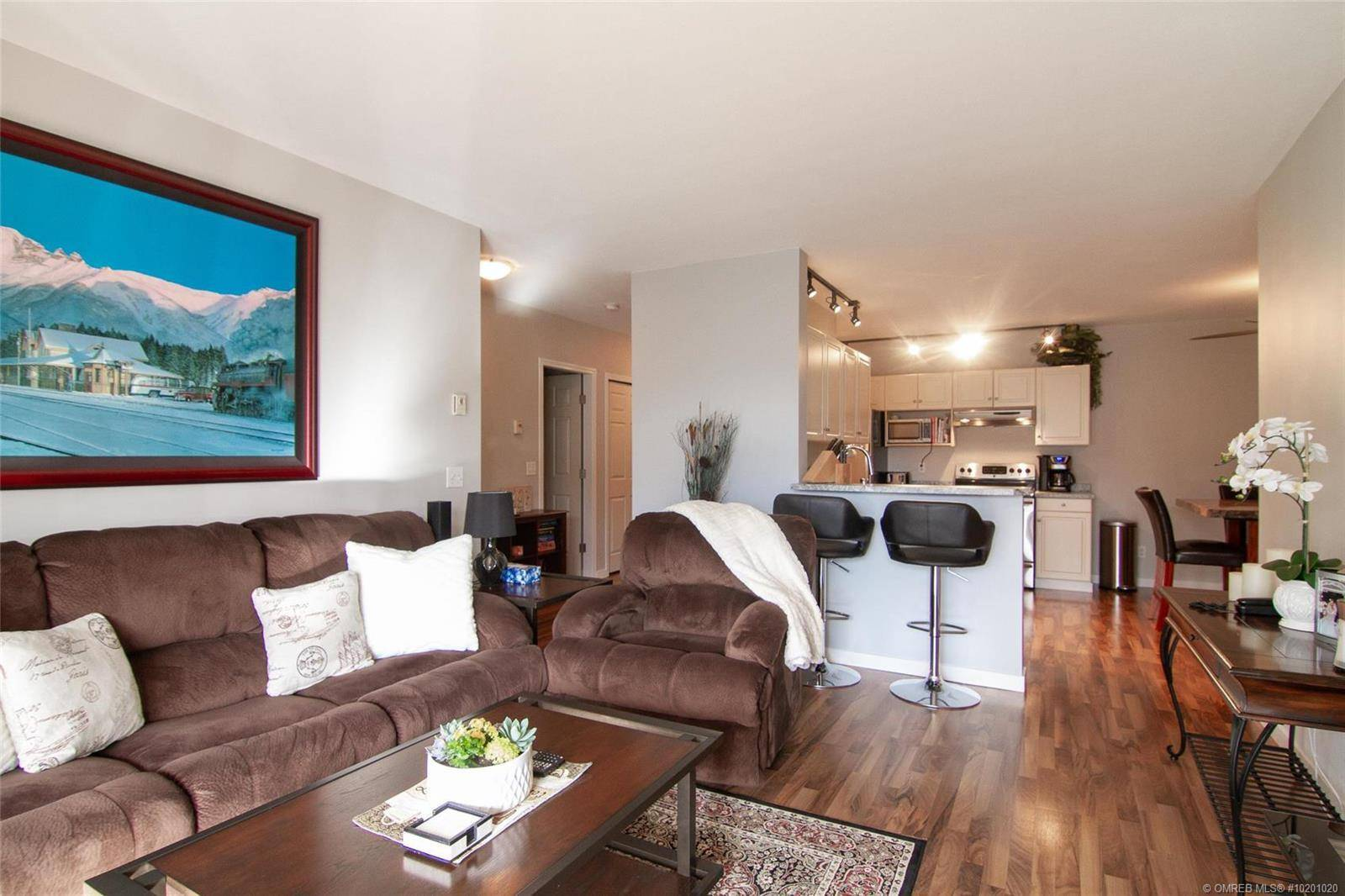 Condo for sale at 1318 Richter St Unit 302 Kelowna British Columbia - MLS: 10201020