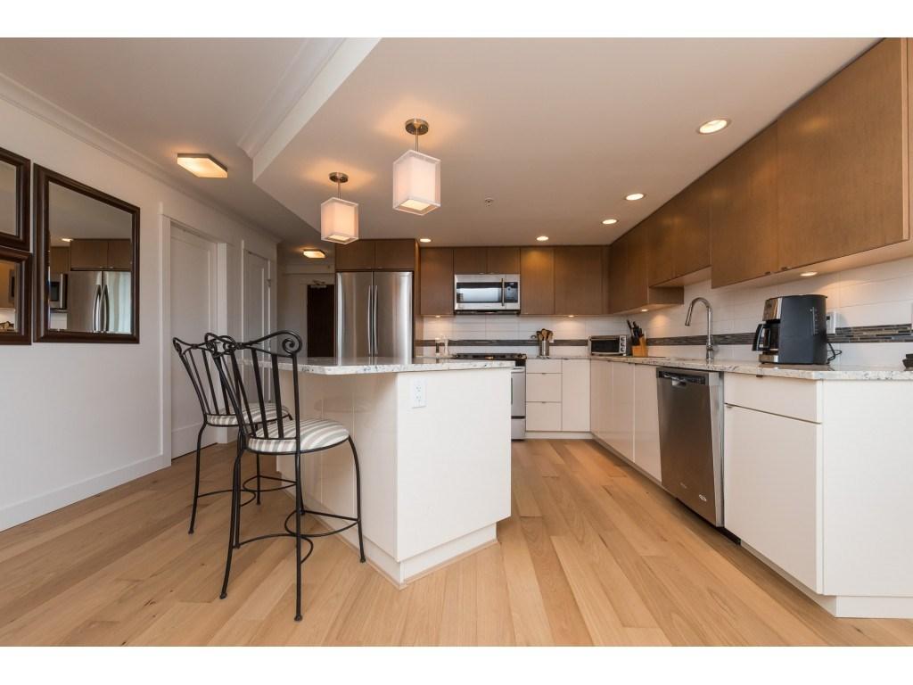Buliding: 14955 Victoria Avenue, White Rock, BC