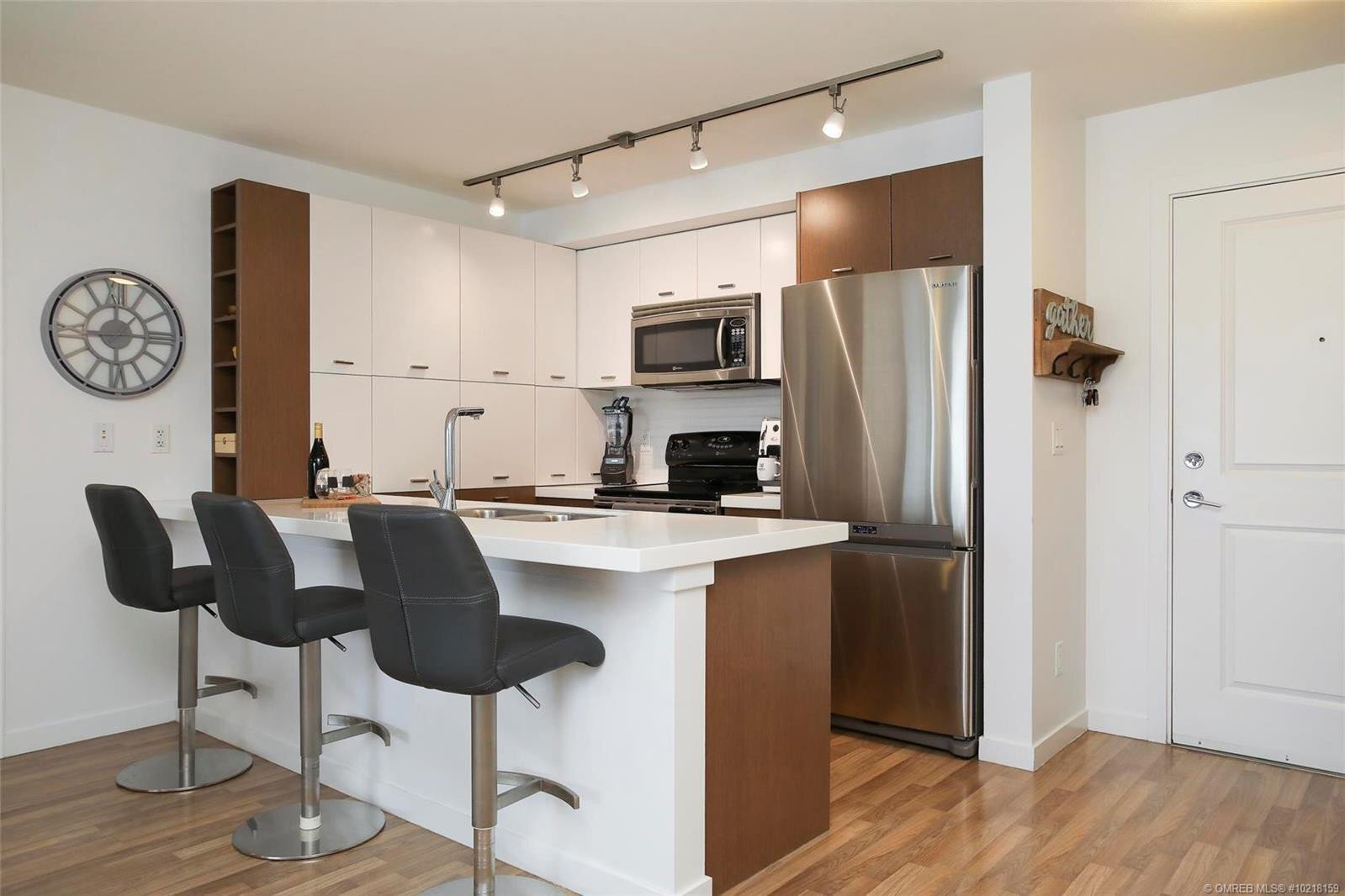 Condo for sale at 1550 Dickson Ave Unit 302 Kelowna British Columbia - MLS: 10218159