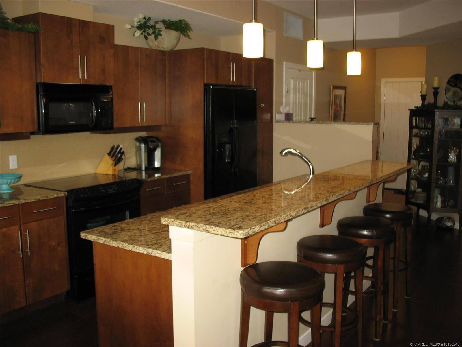 Condo for sale at 1933 Ambrosi Rd Unit 302 Kelowna British Columbia - MLS: 10196243