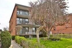 Townhouse for rent at 291 Scarlett Rd Unit 302 Toronto Ontario - MLS: W4775861