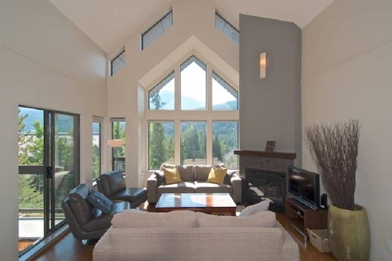 Buliding: 3212 Blueberry Drive, Whistler, BC