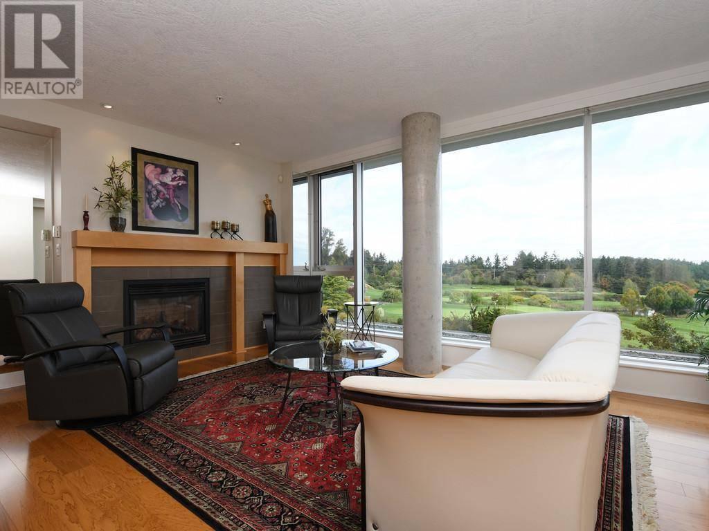 Condo for sale at 5332 Sayward Hill Cres Unit 302 Victoria British Columbia - MLS: 416413